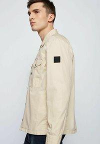 BOSS - LOVEL - Shirt - light beige - 4