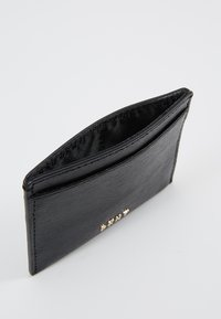 DKNY - BRYANT CARD HOLDER - Wallet - black/gold-coloured