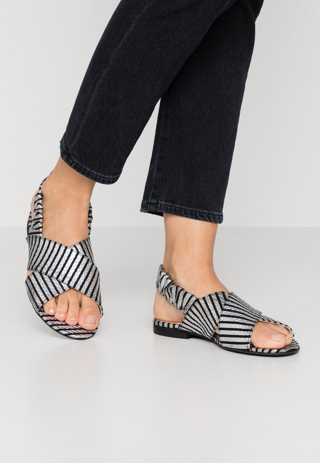 NIGHT IN MOTION - Sandals - black/white