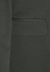 Vero Moda Tall - VMJILLNINA - Blazer - peat - 2