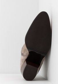 Pedro Miralles - Classic ankle boots - babysilk stone - 6