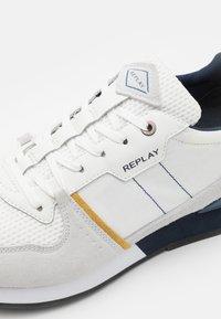 Replay - CLASSIC STATUS - Trainers - white/navy/ocra - 5