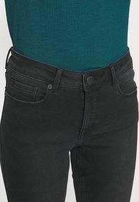 Opus - ELMA SHADOW - Jeans Skinny Fit - soft washed black - 4