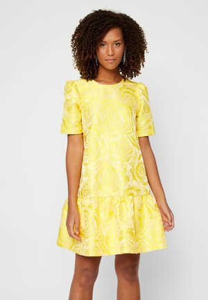 YASMINNIE - Day dress - vibrant yellow