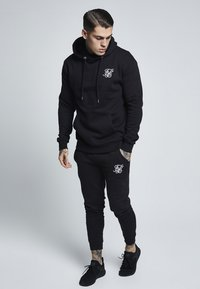 SIKSILK - MUSCLE FIT OVERHEAD HOODIE - Hoodie - black