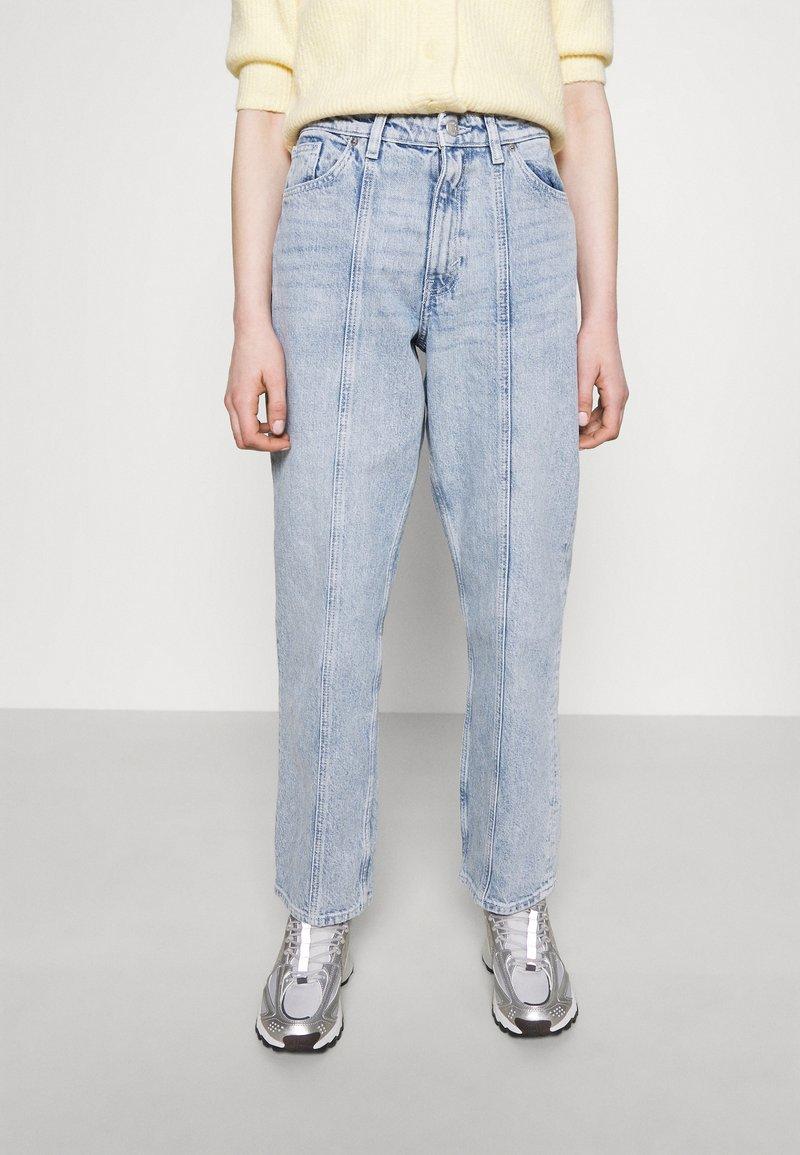 Monki - Jeans a sigaretta - light blue
