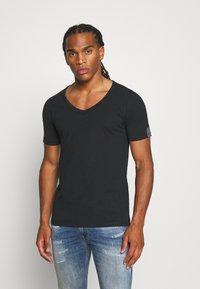 Replay - Basic T-shirt - off black - 0