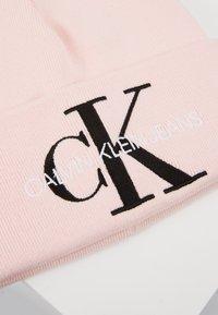 Calvin Klein Jeans - BASIC WOMEN BEANIE - Muts - pink - 4