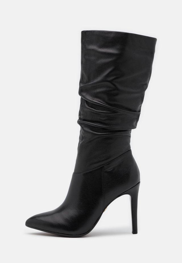 Laarzen met hoge hak - black