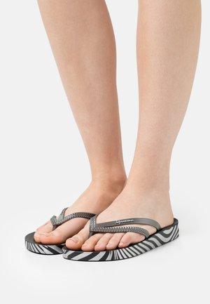 BOSSA SOFT FEM - Flip Flops - black/silver