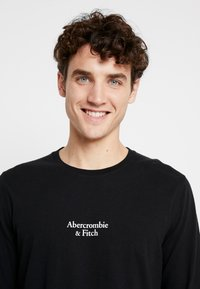 Abercrombie & Fitch - LOGO - Pitkähihainen paita - black - 4