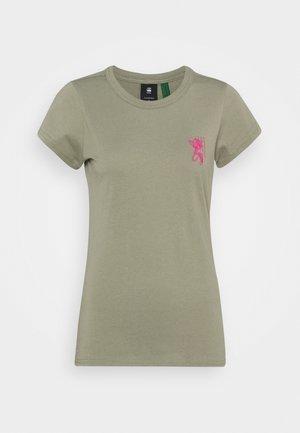 SLIM FIT TULIP TEE - Print T-shirt - shamrock