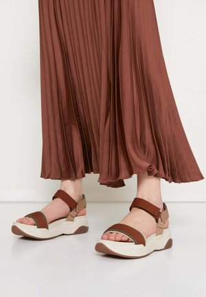 LORI - Platform sandals - rust/multicolor