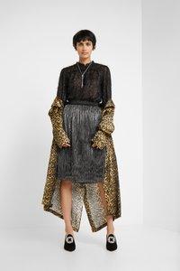 Bruuns Bazaar - METALLIC DARIANE CECILIE SKIRT - A-line skirt - dark silver - 1