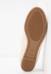 Rubi Shoes by Cotton On - BRITT BALLET - Ballerina - oat - 6