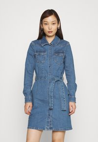 ONLY - ONLCOLUMBIA LIFE DRESS - Denim dress - medium blue denim - 0