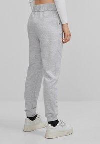 Bershka - Teplákové kalhoty - light grey - 2