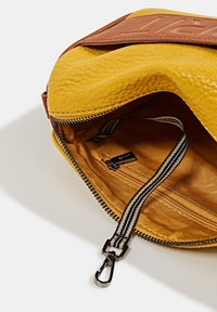 Esprit - MINNESOTA  - Across body bag - brass yellow - 5