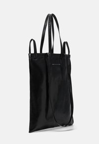 MM6 Maison Margiela - SHINY PLEATHER BERLIN BAG - Shopping Bag - black - 2