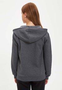 DeFacto - Zip-up hoodie - anthracite - 1