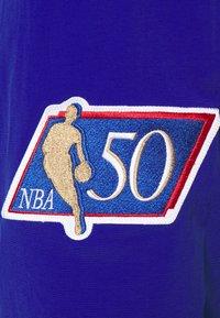 Mitchell & Ness - NBA NEW YORK KNICKS AUTHENTIC WARM UP JACKET - Club wear - royal - 2