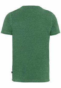 camel active - MIT BRUSTTASCHE AUS ORGANIC COTTON - Basic T-shirt - jungle green - 8