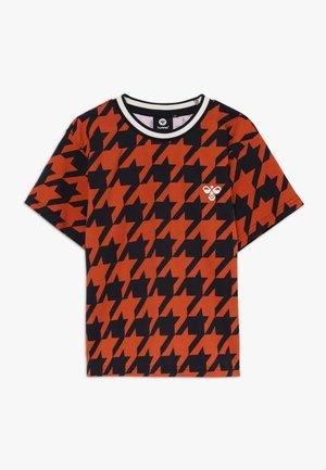 T-shirt con stampa - burnt brick