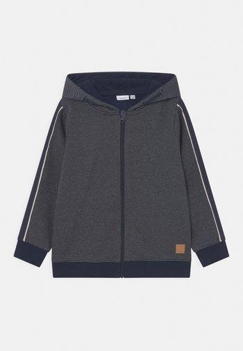 NKMODAG HOOD - Zip-up sweatshirt - dark sapphire