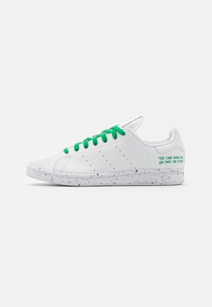 STAN SMITH SPORTS INSPIRED SHOES - Trainers - footwear white/green