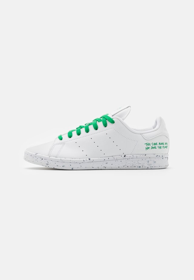STAN SMITH SPORTS INSPIRED SHOES - Baskets basses - footwear white/green