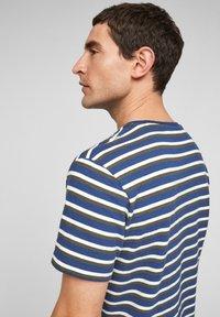 s.Oliver - Print T-shirt - blue stripes - 5