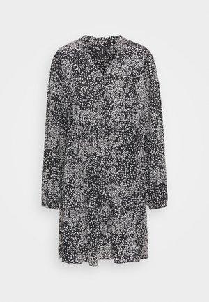 VMCAITLYNN SHORT DRESS - Shirt dress - black/caitlynn/snow white
