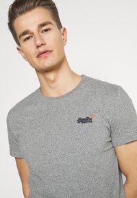 Superdry - VINTAGE TEE - Basic T-shirt - grey marl - 3