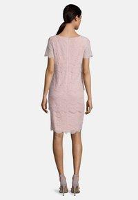 Vera Mont - Shift dress - foggy rose - 1