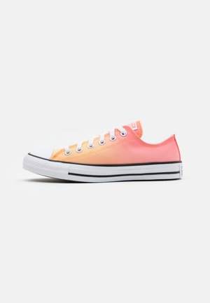 CHUCK TAYLOR ALL STAR - Baskets basses - mellon baller