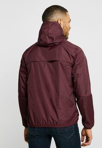 K-Way - CLAUDE LE VRAI UNISEX - Summer jacket - red - 2