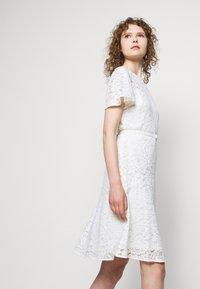 Lauren Ralph Lauren - GORDON STRETCH DRESS - Cocktail dress / Party dress - white - 4