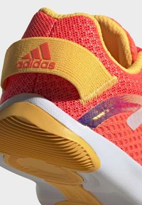 adidas Performance - ACTIVEPLAY SUMMER.RDY SHOES - Sportovní boty - pink - 8