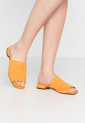 Pantofle - mango