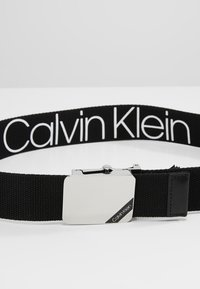 Calvin Klein - WEBBING PLAQUE BELT - Pásek - black - 2