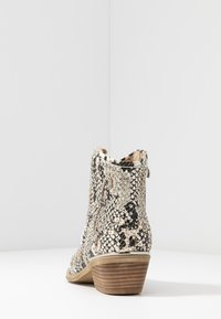 Alma en Pena - Ankle boots - white - 5