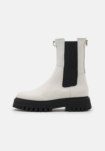 GROOV - Platform ankle boots - offwhite/black