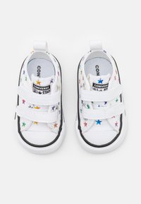 Converse - CHUCK TAYLOR ALL ARCHIVE FOIL STAR PRINT UNISEX - Trainers - white/black - 3