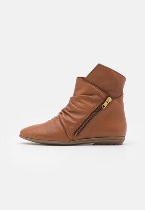 Classic ankle boots - atenea tabaco