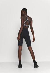 Hummel - SEAMLESS - Shorts - black - 2