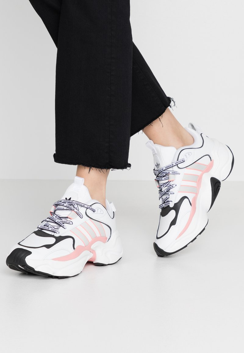 adidas Originals - MAGMUR RUNNER - Trainers - footwear white/grey one/glow pink