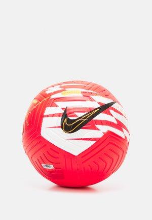 CR7 STRIKE UNISEX - Equipement de football - bright crimson/total orange/black