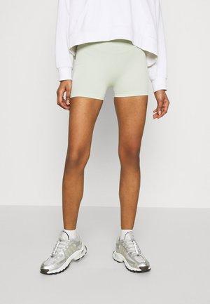 SEAMLESS SHORT CYCLE SHORTS - Shorts - light green