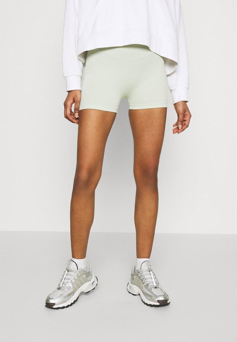 Even&Odd - SEAMLESS SHORT CYCLE SHORTS - Shorts - light green