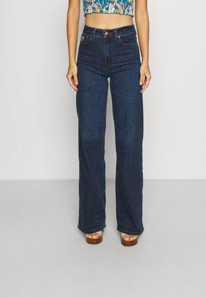 PALAZZO - Flared Jeans - mist cross